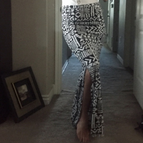 Body Central Dresses & Skirts - ❤️One of a kind maxi skirt❤️❤️❤️